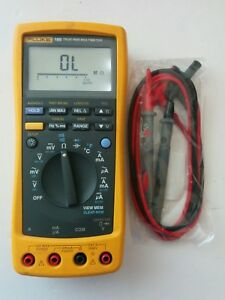 Fluke 189 True Rms Digital Handheld Multimeter Data Logging Dmm New Test Leads