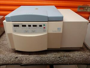 Iec Centra Cl3r Refrigerated Centrifuge With Rotor