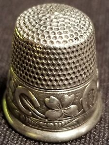 Antique Webster Co Sterling 8 Thimble Good Luck 4 Leaf Clovers
