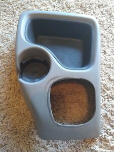 98 05 Blazer S10 Sonoma Manual Floor Cup Holder Console Clean 99 00 01 02 03 04