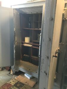 Large Old Heavy Safe For Sale Customer Pick Up Only