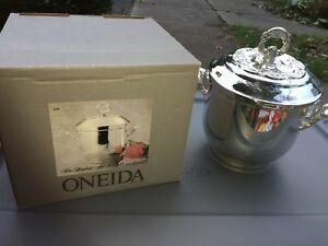 Oneida Silver Plated Du Maurier 4754 Ice Bucket Chiller W Lid 10 3 4 Box