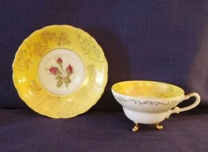 Beautiful Vintage 3 Footed Tea Cup Saucer Yellow W Red Rose Pattern Nw C312c