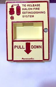vintage Siemans pyrotronics Mh 51 Halon Release Pull Station