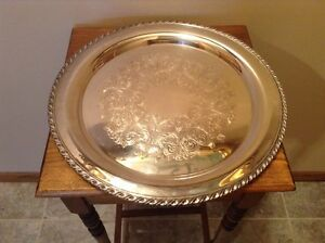 Nice Wm Rogers 14 3 4 Fancy Round Silverplate Serving Tray