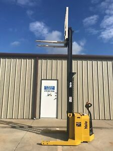 2008 Yale Walkie Stacker Walk Behind Forklift Straddle Lift Only 3497 Hours