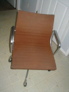 1981 Vitra Ea Brown Tan Hopsack Swivel Office Lounge Chair Armchair Eames Design