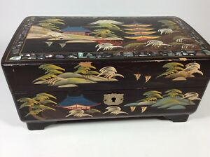 Vtg Black Lacquer Crestline Japan Chinoiserie Jewelry Music Box Dancing Pair