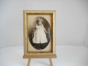 Small 5 X 7 Vintage Convex Glass Picture Frame Easel