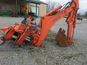 Kubota Bt1000 Backhoe Attachment Only Exc Cond Plumbed For Thumb
