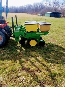 John Deere 2 Row 7000 No Till Corn Planter With Precision Finger Meters