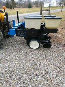 Kinze 2 Row No Till 7000 Corn Planter With Precision Finger Meters