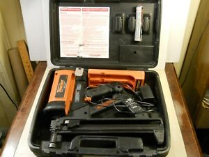 Ramset Tf1100 Trakfast Red Head Automatic Drywall Nail Gun W Charger