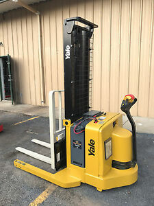 2006 Yale Walkie Stacker Walk Behind Forklift Straddle Lift Only 3074 Hours