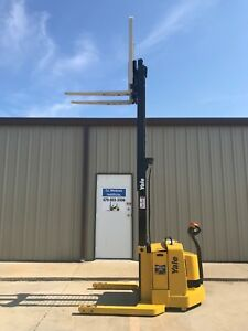 2007 Yale Walkie Stacker Walk Behind Forklift Straddle Lift Only 2798 Hours