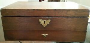 Early Southern Dovetailed Oak Locking Storage Chest Box W Tray