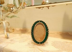 Cute Minature Vintage Green Enameled Picture Frame W Metal Easel 2 X 2 And 3 4
