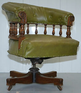 Rare Genuine Victorian Circa 1860 Chesterfield Buttoned Captains Office Chair