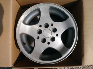 1993 1998 Jeep Grand Cherokee 15 X 7 Aluminum Wheels Oem One Left Only 1