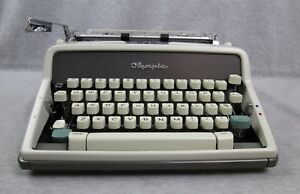 Vintage Olympia Deluxe Sm 7 1963 Manual Typewriter Case West Germany
