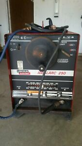 Lincoln Idealarc 250 Ac dc Welder With Stinger And Ground Cables