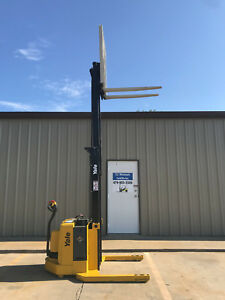 2006 Yale Walkie Stacker Walk Behind Forklift Straddle Lift Only 4142 Hours