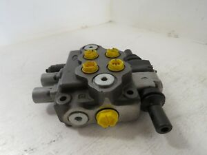 Walvoil 2 spool Hydraulic Control Valve 7gh121201 h New