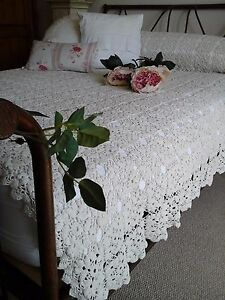 Antique French C1920 Textile Hand Needle Crochet Lace Bed Coverlet Table Topper