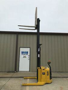 2012 Yale Walkie Stacker Walk Behind Forklift Straddle Lift Only 2338 Hours