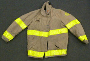 44x32 Firefighter Jacket Coat Bunker Turn Out Gear Globe J699