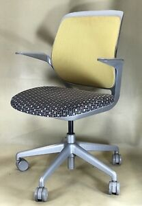 Steelcase Cobi Office Desk Chair W Arms Pick Up Only