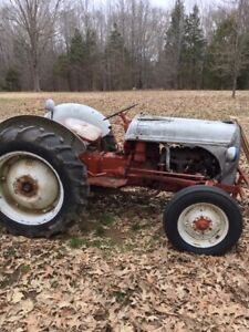 52 Ford 8n Tractor 3pt Hitch 12v System Runs And Works Great