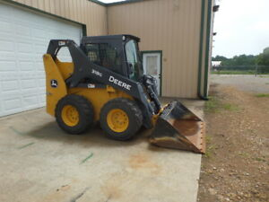 John Deere 318g Skid Steer Cab Heat ac 2spd Radio 2016 W 163hrs Mint