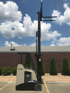2010 Crown Rc 5520 30 Forklift Stand Up Electric Nice Dock Stocker Forklift
