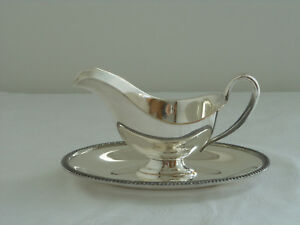 Wm Rogers Gravy Boat With Attached Underplate Avon