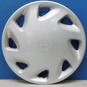 One 1994 1995 Toyota Paseo 61081 14 8 Slot Hubcap Wheel Cover Hub Cap Used