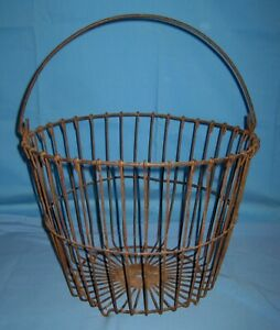 Vtg Antique Primitive Barn Find Wire Egg Gathering Basket Farm 14 X 11