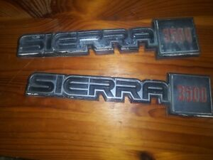 Gmc Sierra Classic 3500 Fender Emblem Set Paint Damage Broke Tabs