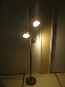 Vtg Mid Century Atomic Pole 3 Way Floor Lamp Light Bell Shades Brass Tone 72