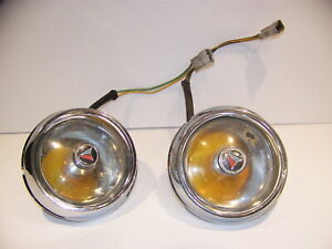 1964 1965 Plymouth Barracuda Front Grill Turn Signals 2524516 2524518