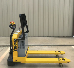 2007 Yale Electric Pallet Jack Model Mpw040 Forklift Walkie