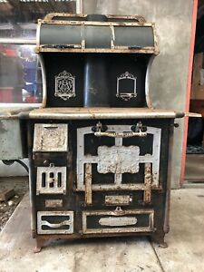 Home Comfort Wood Burning Cook Stove Wrought Iron Range Company 1917