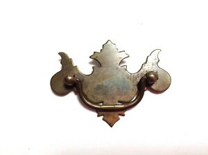 1 Vintage Dresser Drawer Handle Batwing Chippendale Brass Tone Pull 3