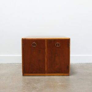 Mid Century Modern Walnut Side Table By Lane Furniture