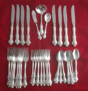 Vintage International Deep Silver Orleans Silverplate Flatware Set 32 Pieces
