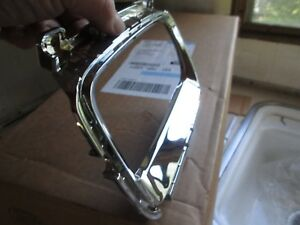 Kia Sorento 2014 15 Rh Fog Lamp Chrome Bezel Trim 86528 1u700