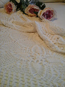 Antique French C1920 Textile Hand Needle Chochet Lace Tablecloth Bed Coverlet