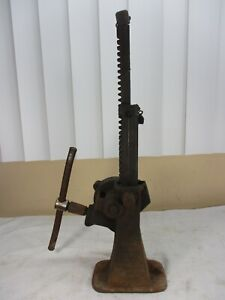 Antique Woods Engineering No 2 Screw Auto Car Jack Works Well