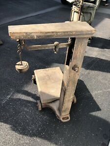 Howe Antique Scale