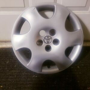 1 Oem 2003 2004 Toyota Corolla Ce 15 Hubcap Wheel Cover A P N 42621 Ab050